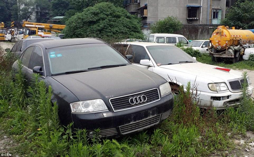 Kỳ lạ nơi hàng trăm siêu xe bị chủ bỏ rơi ở Trung Quốc - 1