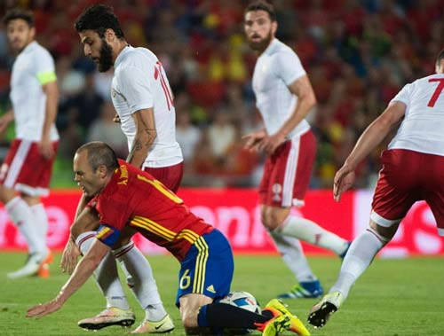 Video Tay Ban Nha vs Georgia - 1