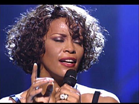 Tiết lộ sốc: Whitney Houston hút ma tuý trong đám cưới - 3