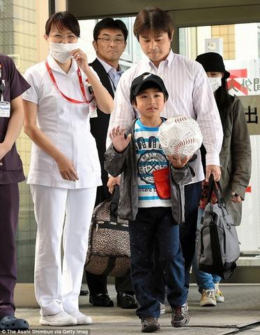 """Cậu bé Nhật lạc trong rừng gấu: """"Con tha lỗi cho bố"""" - 2"""