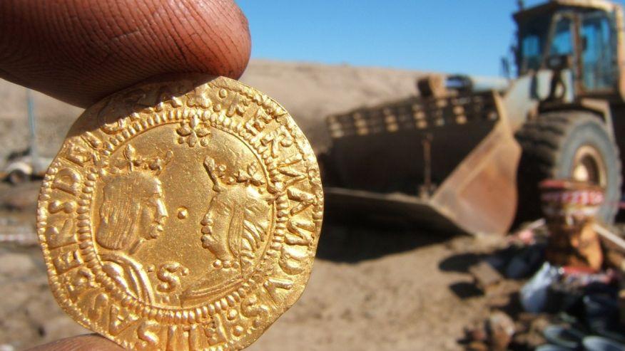 Tàu đắm 500 năm chở đầy vàng được khai quật ở Namibia - 2
