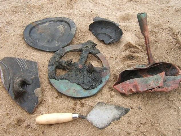 Tàu đắm 500 năm chở đầy vàng được khai quật ở Namibia - 6