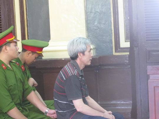 Đang xét xử 30 cán bộ hải quan trong đại án kinh tế - 2