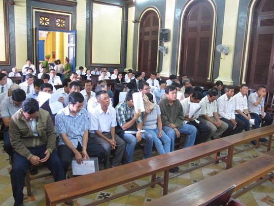 Đang xét xử 30 cán bộ hải quan trong đại án kinh tế - 6
