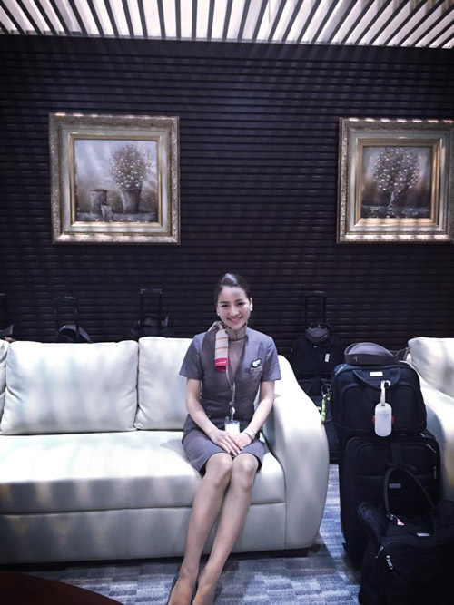 Cô gái Việt và ước mơ làm nghề phục vụ trên không - 1