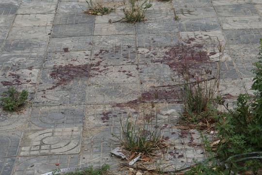 Nam thanh niên nghi bị nữ bạn nhậu đâm chết tại quán - 2
