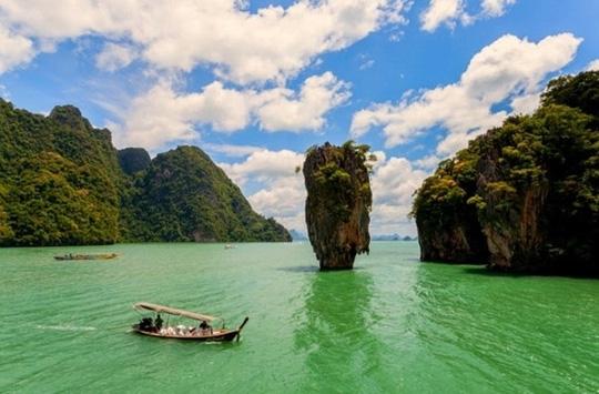 Sức hút lạ kỳ ở 10 cung đường tuyệt đẹp của châu Á - 1