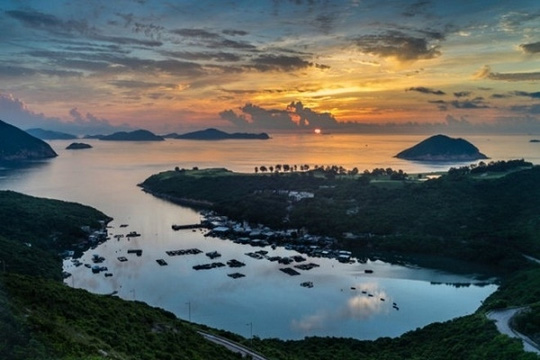 Sức hút lạ kỳ ở 10 cung đường tuyệt đẹp của châu Á - 6
