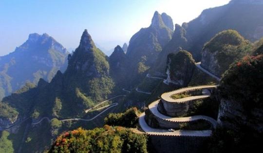 Sức hút lạ kỳ ở 10 cung đường tuyệt đẹp của châu Á - 8