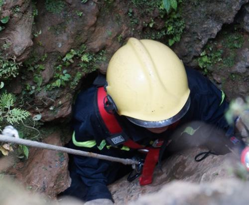 Ảnh: Toàn cảnh cứu hộ 3 phu vàng kẹt dưới hang Kịt - 8