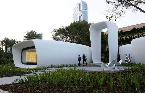 """Máy in 3D in ra cả tòa nhà """"xịn"""" ở Dubai - 1"""