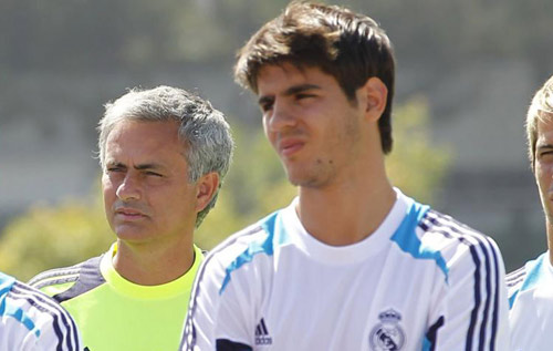 Lo sợ Real, Conte yêu cầu Chelsea mua ngay Morata - 2