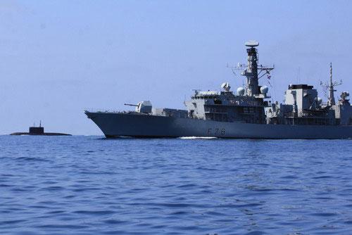 Tàu ngầm Nga trực chiến trước trận bóng đá Anh – Nga - 1
