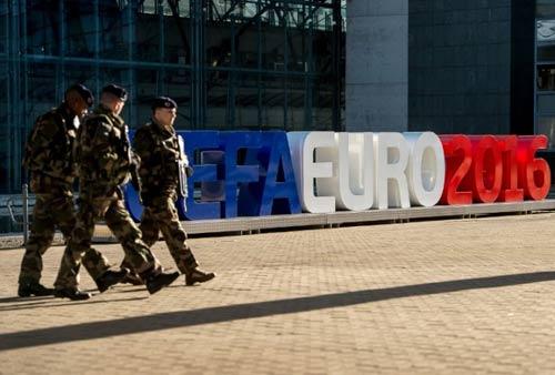 Euro 2016: Nước Pháp không sợ hãi - 2