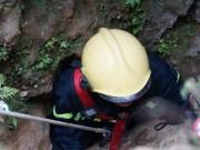 Tin tức trong ngày - Ảnh: Toàn cảnh cứu hộ 3 phu vàng kẹt dưới hang Kịt
