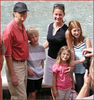 """Melinda Gates - Quyền lực """"mềm"""" của tỷ phú giàu nhất TG - 4"""