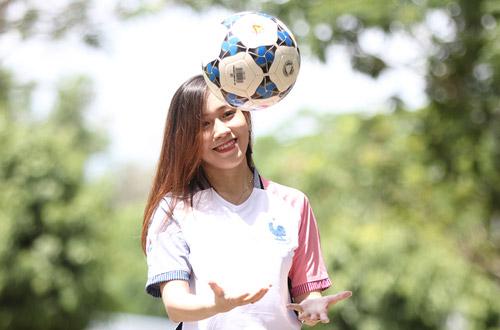 Fan nữ xinh say mê tuyển Pháp vì sao trẻ MU - 1