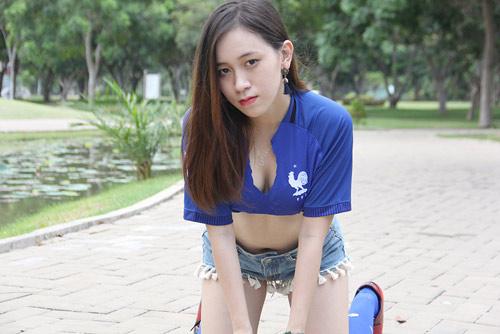 Fan nữ xinh say mê tuyển Pháp vì sao trẻ MU - 11
