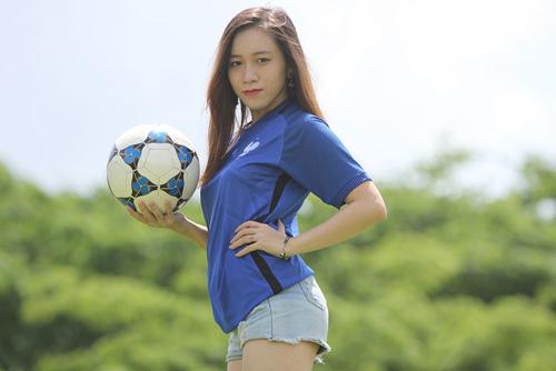 Fan nữ xinh say mê tuyển Pháp vì sao trẻ MU - 12