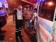 """Thái Lan: Vợ cắt """"của quý"""" chồng giữa phố"""