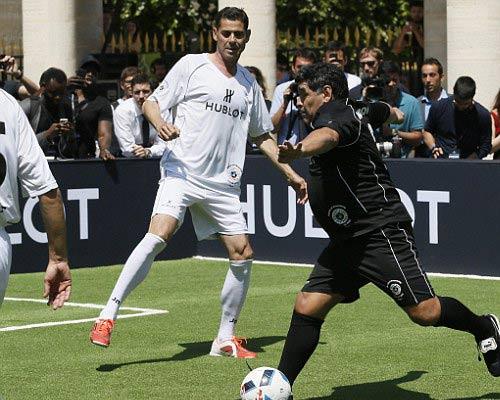 "Bất ngờ: Maradona ""nói xấu"" Messi - 3"