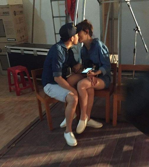Những hình ảnh hẹ hò lúc đêm khuya của Trấn Thành và Hari Won - 2