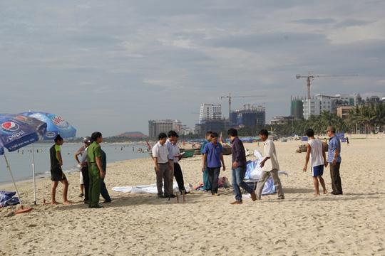 Phát hiện thi thể đã phân hủy trên biển Đà Nẵng - 1