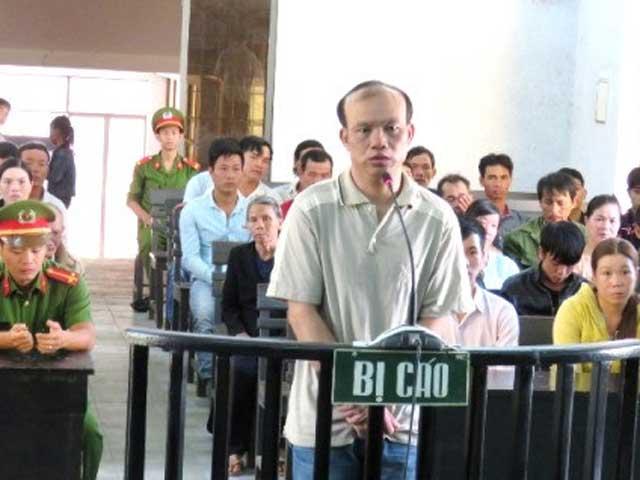 Ngồi tù vì chống trộm vịt bằng điện - 1