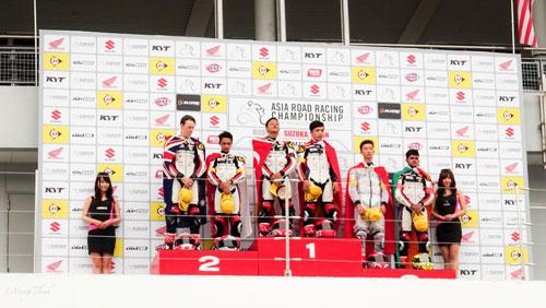 Bùi Duy Thông lên ngôi ở giải đua xe Motor Châu Á - 6