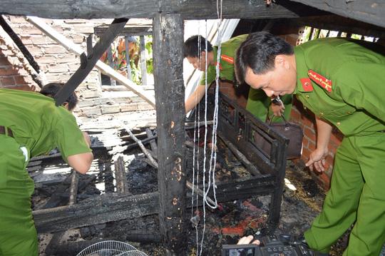 Bị cấm yêu em vợ, đốt cả nhà: Mẹ cố vứt con khỏi lửa - 1