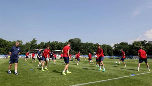Tin nhanh EURO 11/6: Bale ước được đá với... Giggs - 3