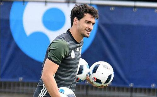 Tin nhanh EURO 11/6: Bale ước được đá với... Giggs - 4