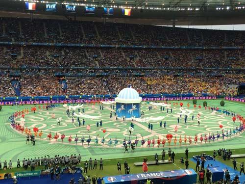 Khai mạc Euro 2016: Lễ hội âm thanh, màu sắc - 7