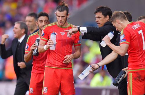 Xứ Wales – Slovakia: Một mình Bale có đủ - 1