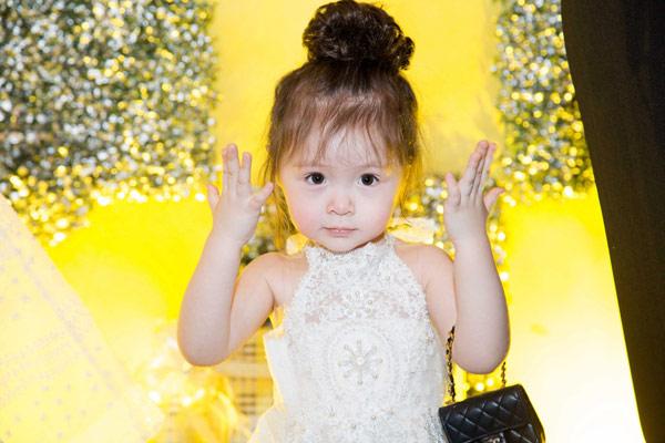 Elly Trần tổ chức sinh nhật sớm cho con gái yêu - 4