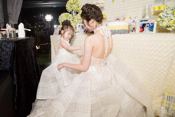 Elly Trần tổ chức sinh nhật sớm cho con gái yêu - 5