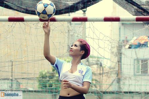 """Mê Beckham, nữ ca sĩ Ê Đê chờ ĐT Anh """"viết cổ tích"""" - 4"""