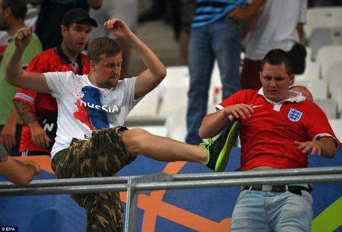Bạo loạn CĐV Anh - Nga: UEFA điều tra CĐV Nga, Anh vô tội - 9