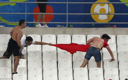 Bạo loạn CĐV Anh - Nga: UEFA điều tra CĐV Nga, Anh vô tội - 11
