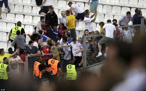 Bạo loạn CĐV Anh - Nga: UEFA điều tra CĐV Nga, Anh vô tội - 12
