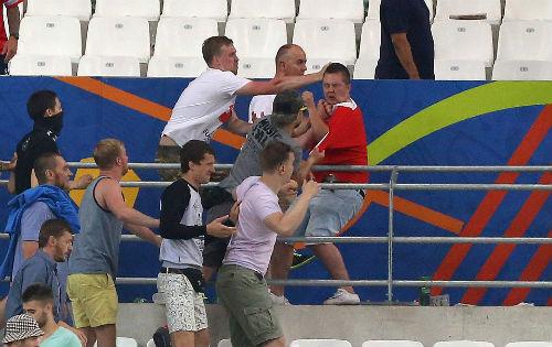 Bạo loạn CĐV Anh - Nga: UEFA điều tra CĐV Nga, Anh vô tội - 14