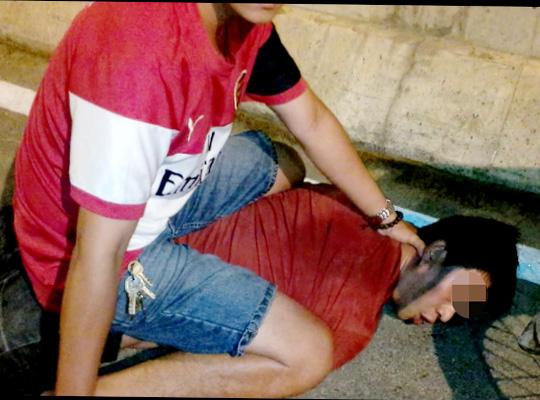 Phóng viên giải cứu cụ ông bị siết cổ giữa đêm - 1