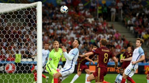 Ảnh đẹp Euro 12/6: Xứ Wales mở hội, người Anh thở dài - 14