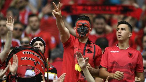 Ảnh đẹp Euro 12/6: Xứ Wales mở hội, người Anh thở dài - 3