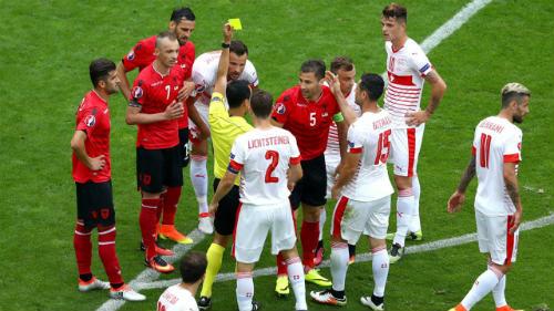 Ảnh đẹp Euro 12/6: Xứ Wales mở hội, người Anh thở dài - 5
