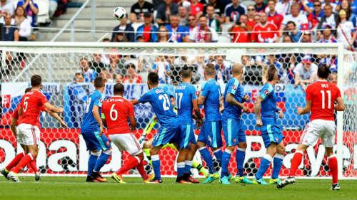 Ảnh đẹp Euro 12/6: Xứ Wales mở hội, người Anh thở dài - 8