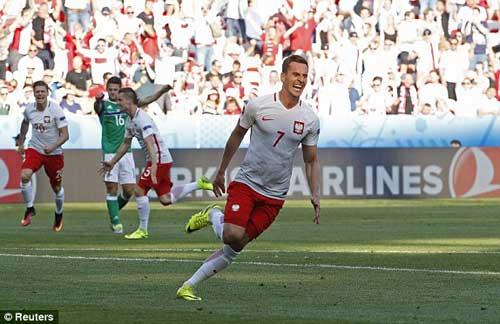 Video Ba Lan vs Bắc Ireland - 1
