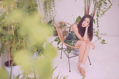 Hot girl gốc Thái Mai Fin khoe vẻ đẹp trong veo dưới nắng hè - 3