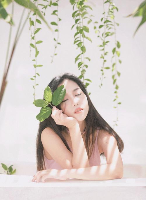 Hot girl gốc Thái Mai Fin khoe vẻ đẹp trong veo dưới nắng hè - 7