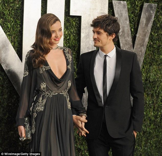 Miranda Kerr vô tư chụp hình cùng bồ mới của chồng cũ - 3